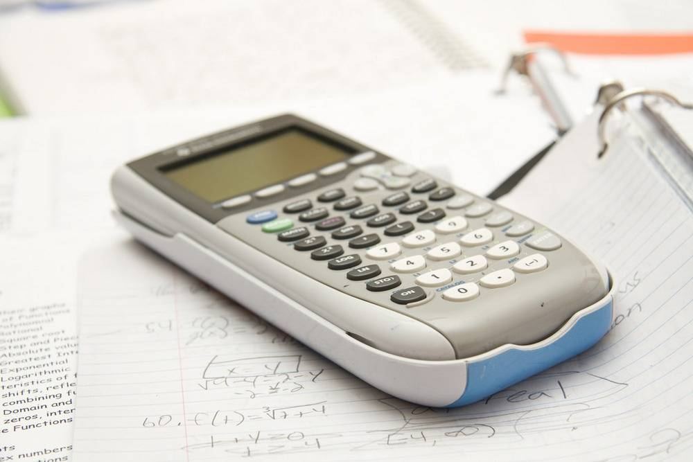 How to choose calculator for exams // Calculator for exams buyer's guide